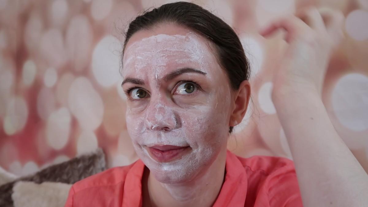 Kolagenowe SOS do twarzy z Eveline Cosmetics.